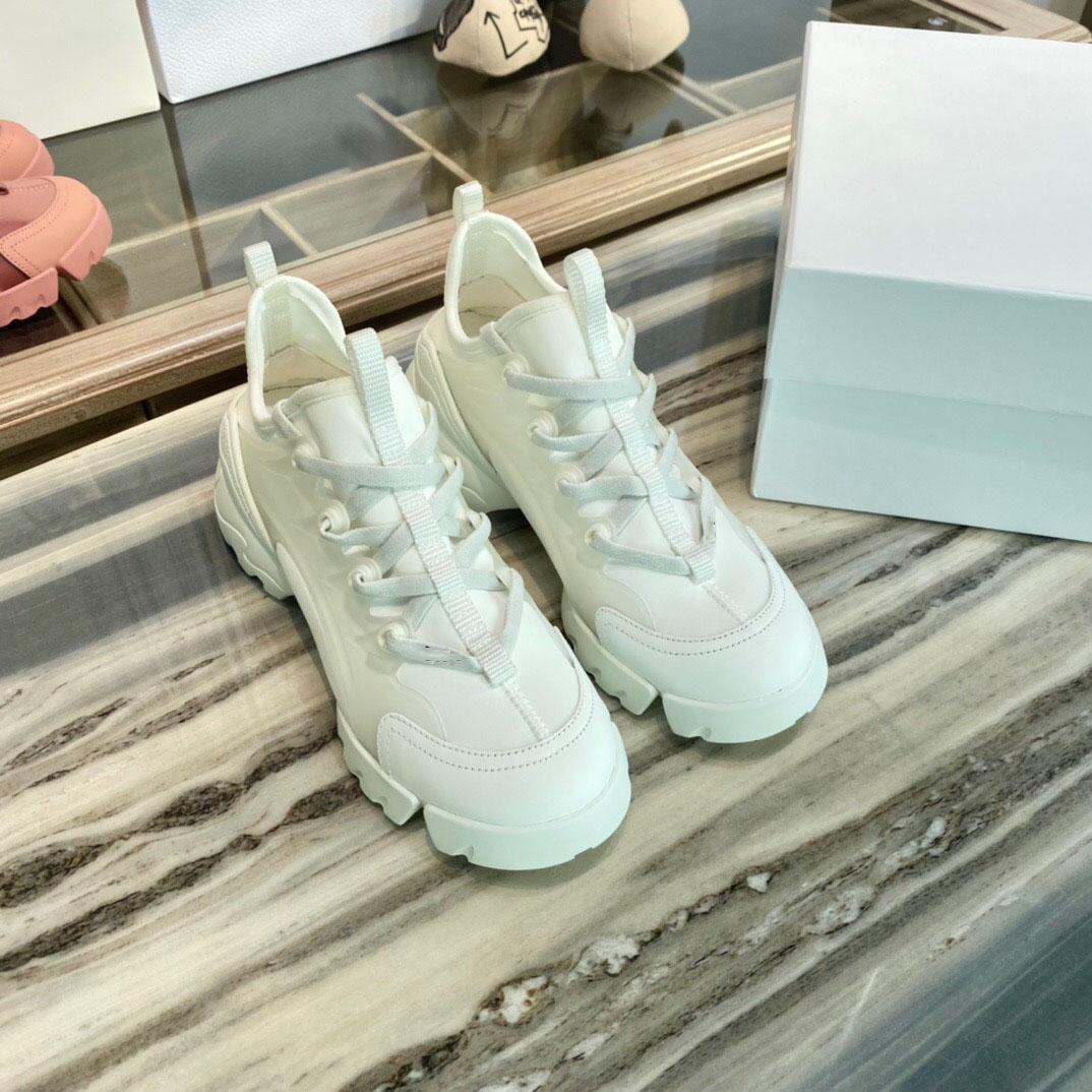 Classic Marque Ladies Casual Sports Zapatos viejos D Zapatillas de cuero de lujo Tamaño de la película 3D de la alta calidad de las mujeres 35-41