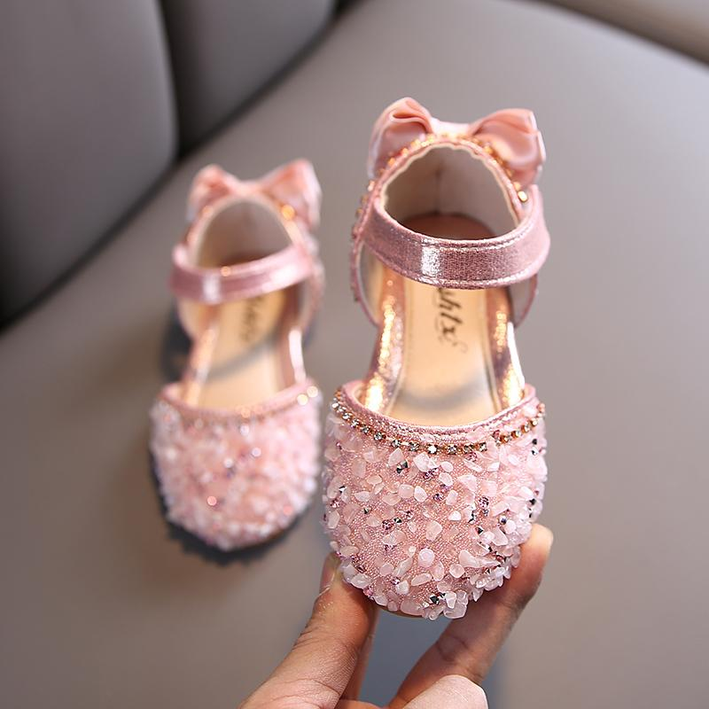Весна детская обувь девушки высокий каблук принцесса танцы сандалии детская обувь блеск кожи мода девушки вечеринка платье свадебные туфли 210301