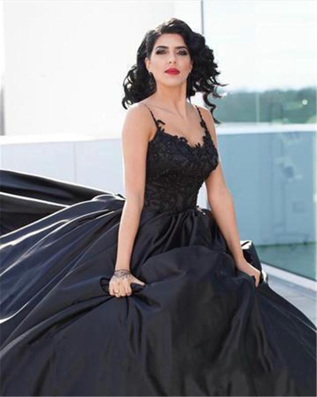 Gothic Black Wedding Dresses Spaghetti Straps Lace Appliques Satin Ball Gowns Wedding Dress Custom Made Bridal Gowns