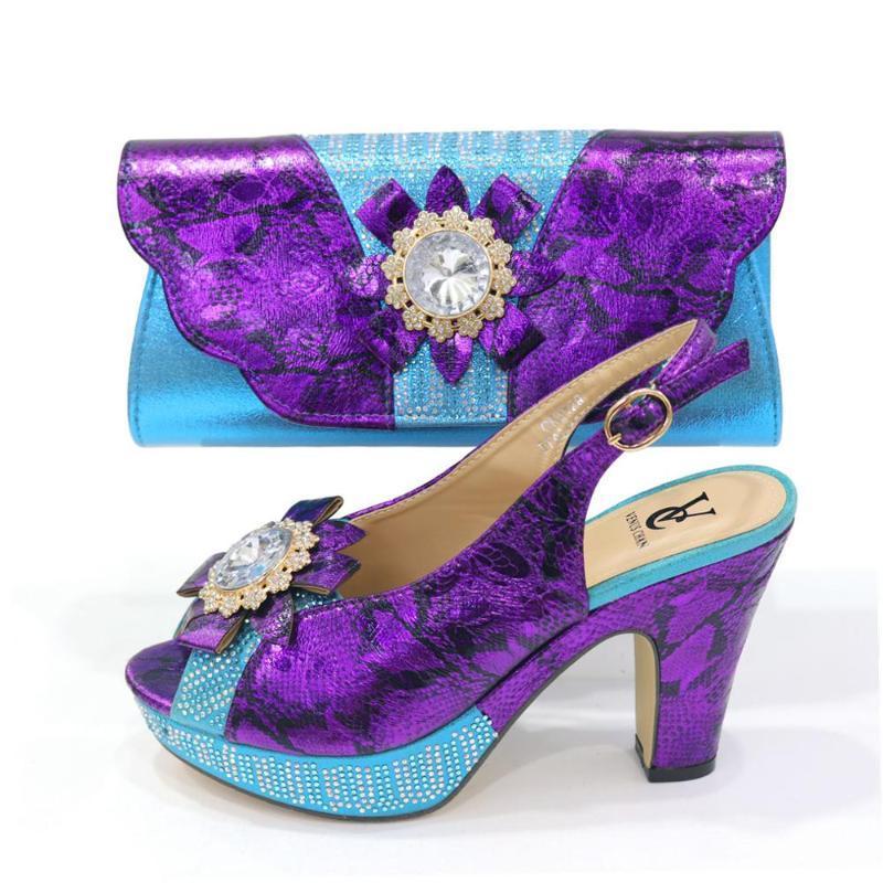 Ultimi Scarpe e borse designer italiani Set di corrispondenza Set Nigeriano Donne Party Pumps Tacchi alti Strass Donne Scarpe da sposa Elegante