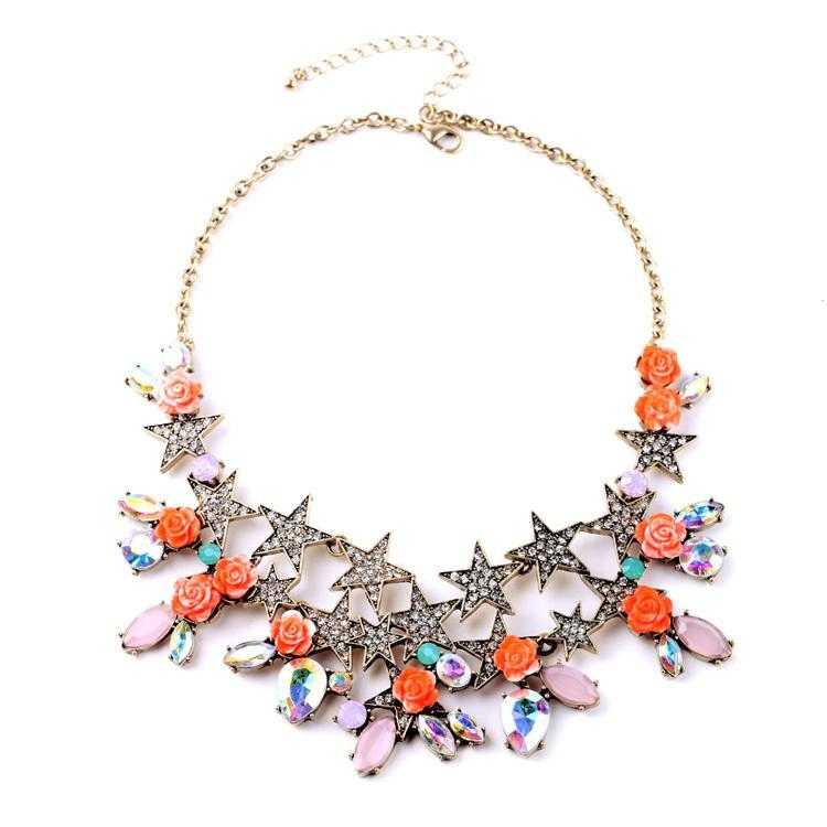 Graceful Star Flower Necklace BRISK Elegante Colgantes Grandes Color de oro Gargantilla larga para las mujeres retro para la mascarada