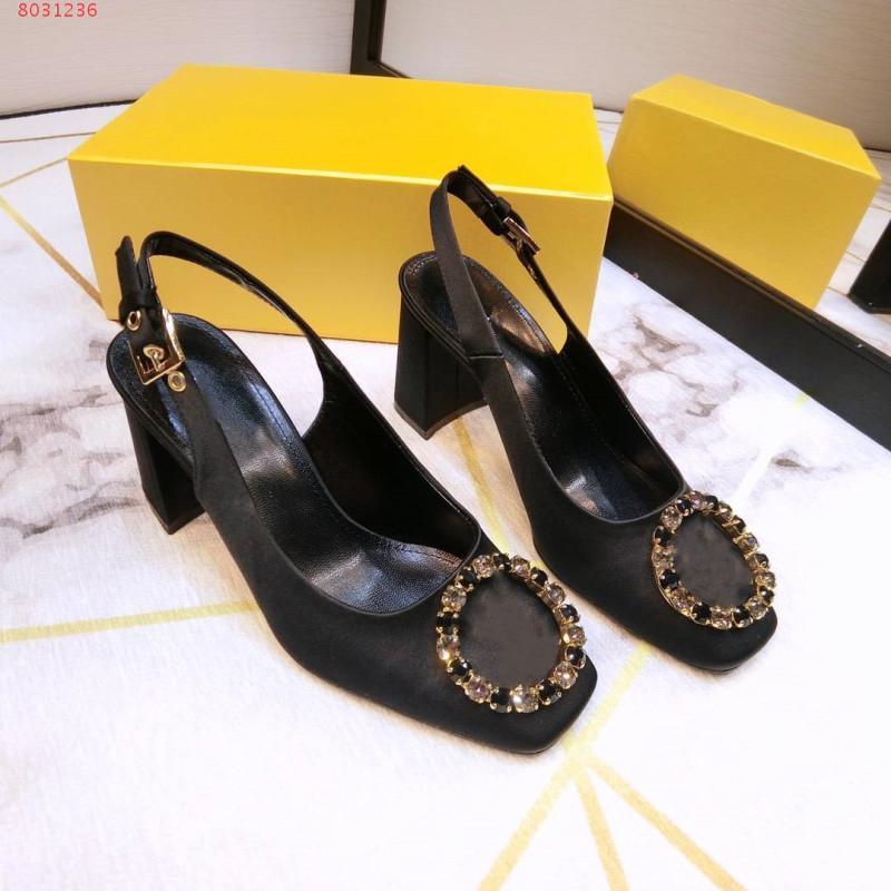 Последние женщины чистые шелковые сандалии,, Enchase Diamond Thrade Pumps Lady мода летние сандалии размер 34-40
