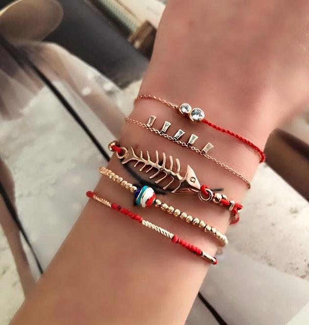 Kişiselleştirilmiş Kırmızı Halat Bilezik Şenlikli Kırmızı Bohemian Kişiselleştirilmiş Fishbone Boncuklu Dokuma Bilezik 5-Piece Set