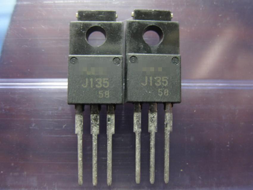 LIVRAISON GRATUITE J135 2SJ135 TO220 Nouveau et original 10pcs / Lot.