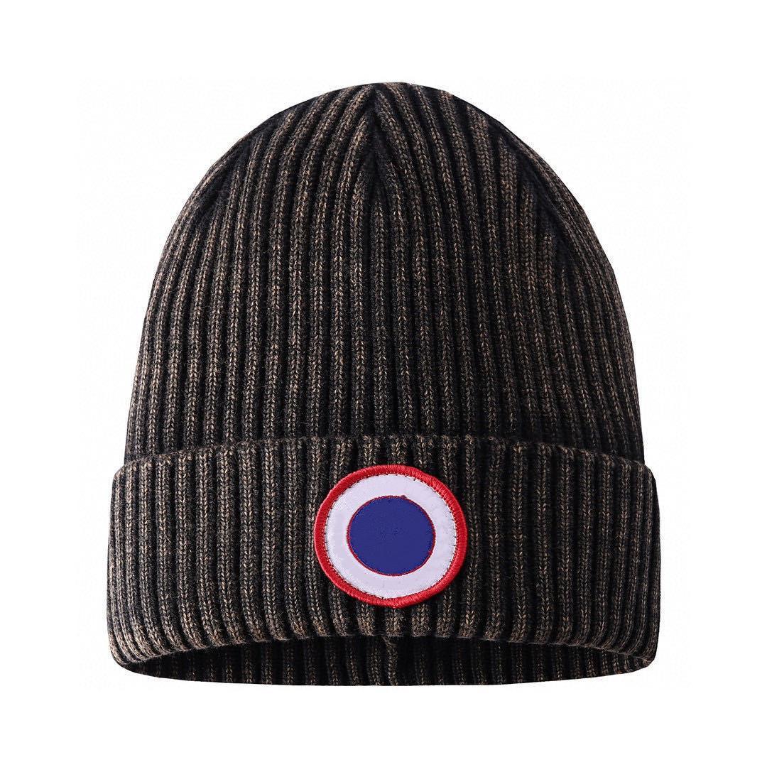 Üst Satış Erkekler Beanie Lüks Unisex Örme Şapka Gorros Bonnet Kanada Örgü Şapka Klasik Spor Kafatası Kapaklar Kadınlar Rahat Açık Koz Beanies