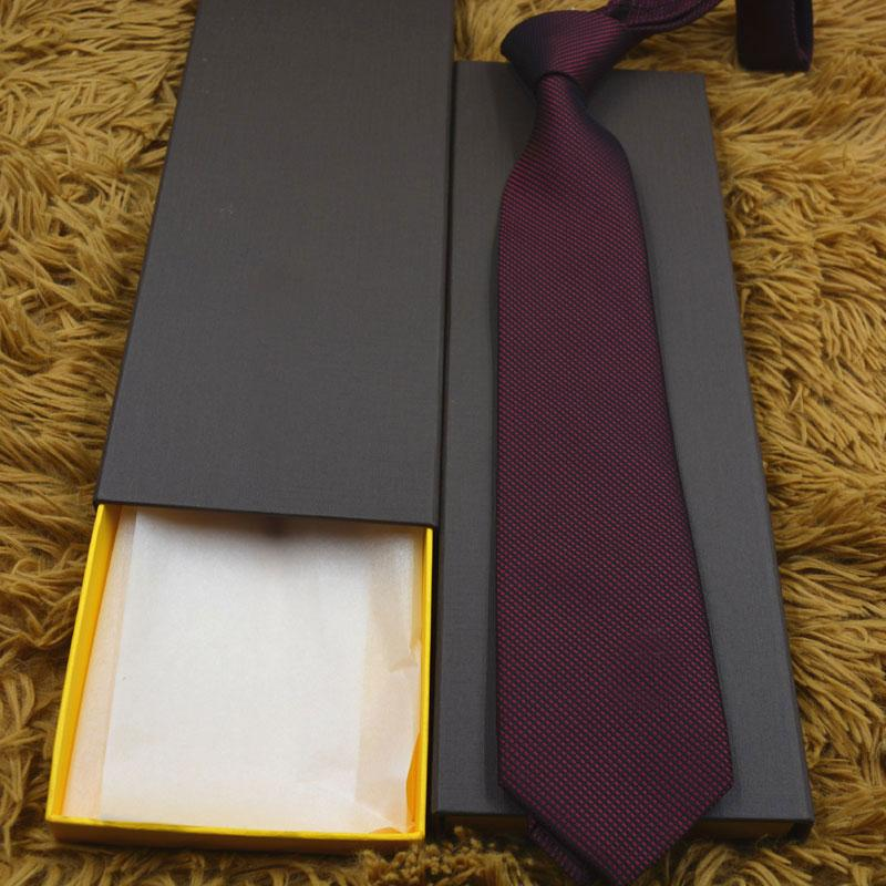 Carta de hombre Corbata de seda Patrón de Necktie Patrón de impresión Jacquard Fiesta Boda Diseño de moda tejido con caja L889