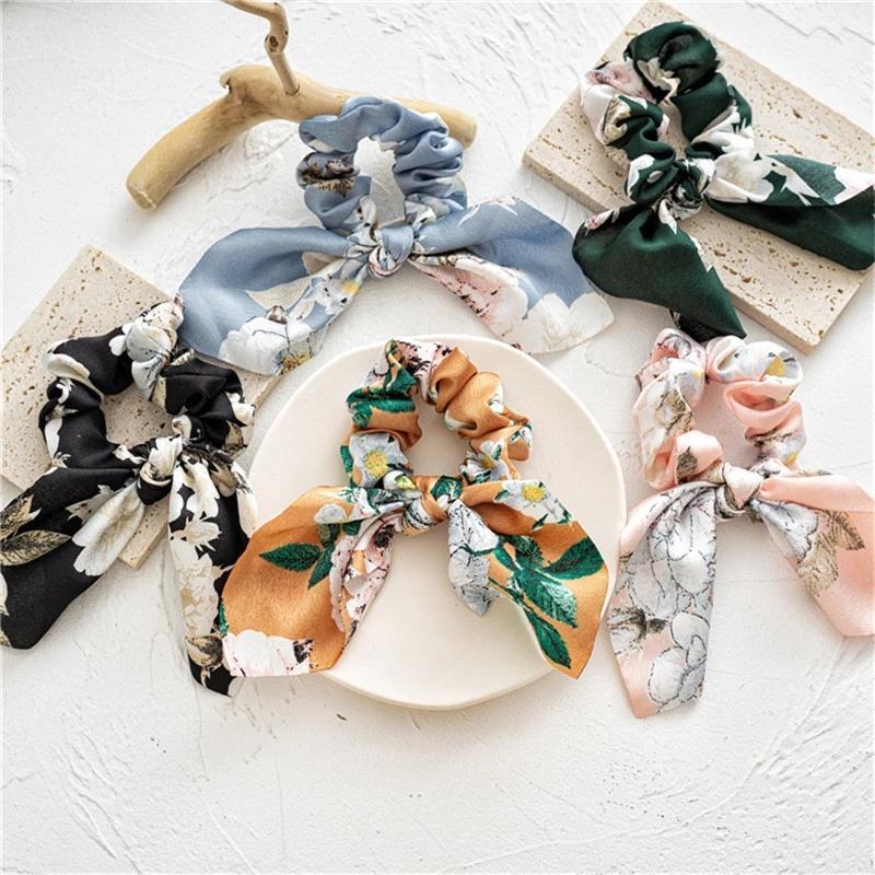 Stampato Floral Satin Capelli Capelli per donna Coniglio Ear Scrillies Innombolezza Capelli Accessori per capelli Gomma Ponytail Ornamenti