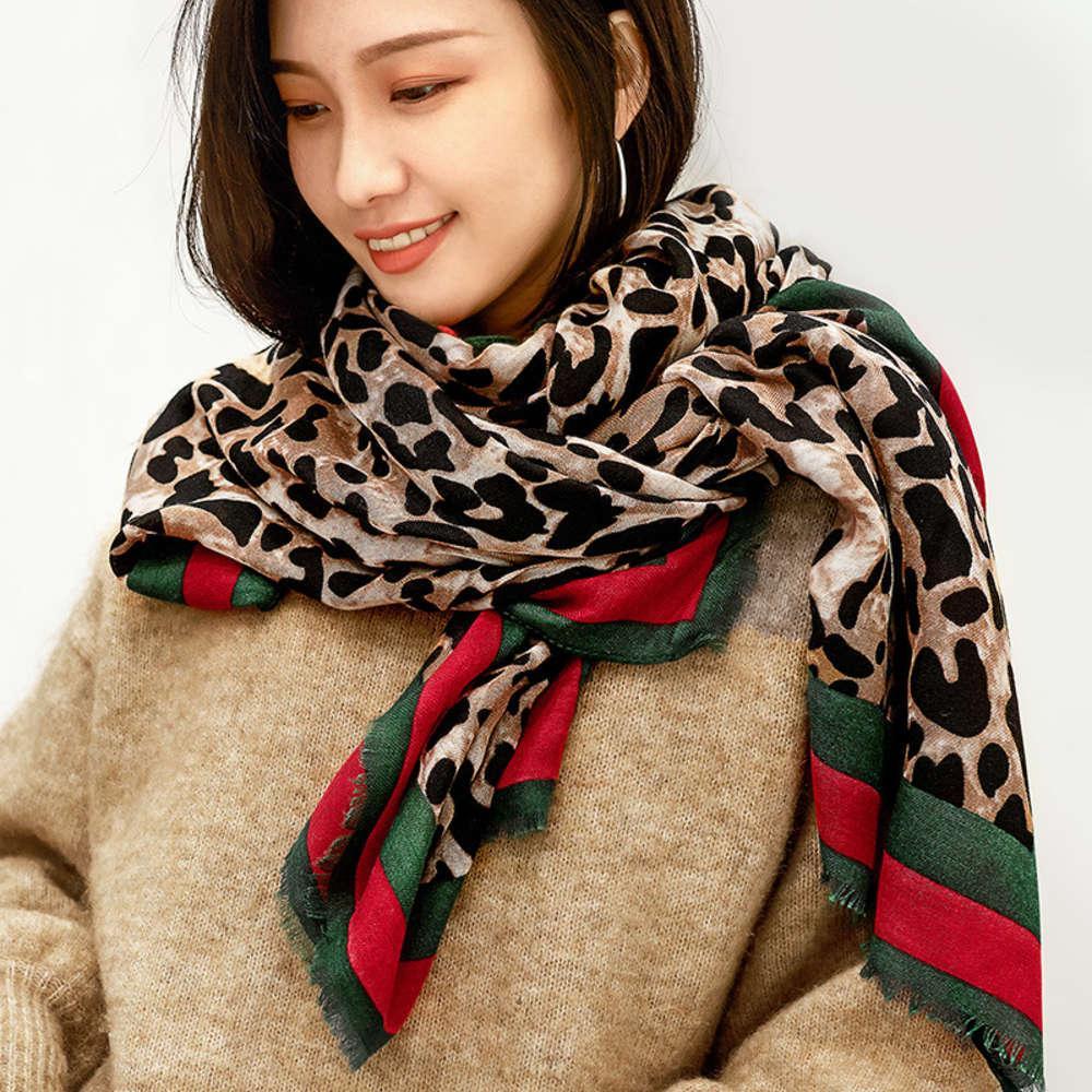 Леопардовый шелковый шарф женская весна осенью иностранный стиль моды среднего возраста мать универсал расширенный тонкий хлопок и конопляный шаль