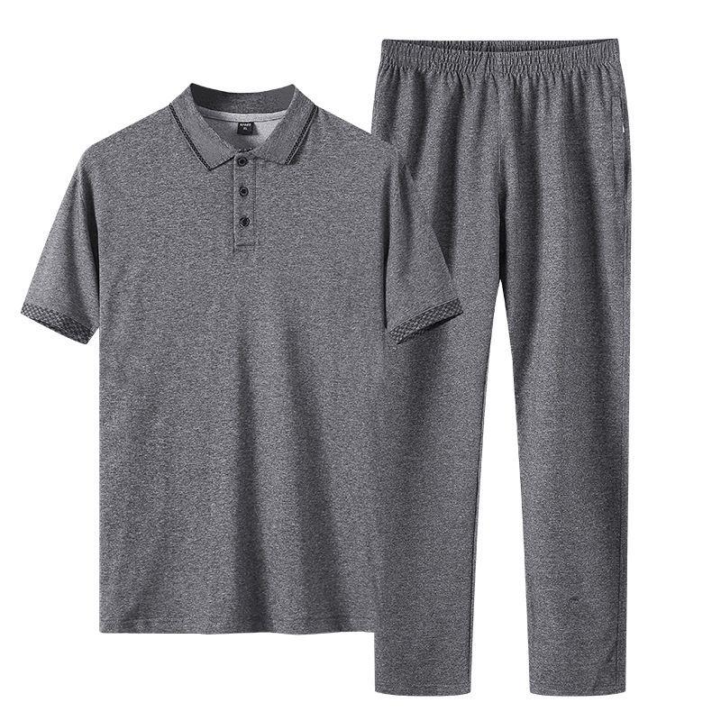 Средний и пожилой спортивный костюм лето с коротким рукавом футболки брюки вскользь две большие пожилые люди спортивная одежда тонкие