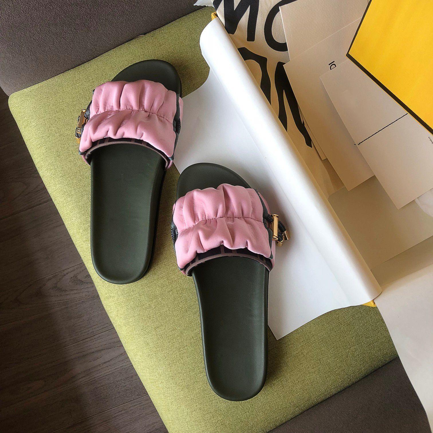 2021SS Yüksek Kalite Luxuyr Tasarımcı Ayakkabı Bahar / Yaz Terlik Klasik Eski Çiçek Hazırlama Kutusu US35-41