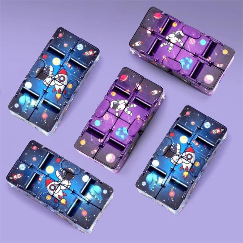 Fidget giocattolo astronauta infinita flip magico cubo netto rosso secondo ordine educativo decompressione dei giocattoli DHL / UPS migliorano le abilità cerebrali dei bambini e passare il tempo