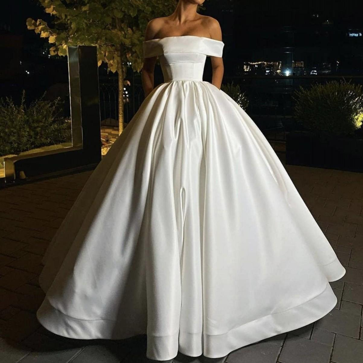 New Arrival Cheap Simple Princess Ball Gown Wedding Dresses Satin Off Shoulder Sweep Train Satin Pockets Wedding Dress Bridal Gowns