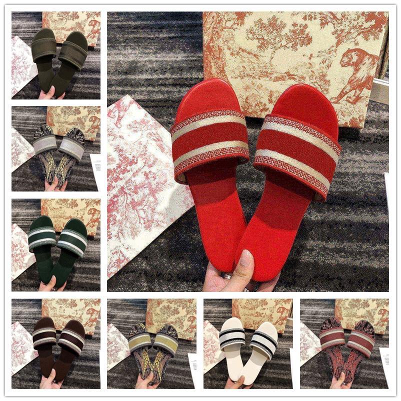 2021 Dior Paris Womens Slippers Scuffs Summer Sandals Beach Slide Slippers Girls Flip Flops Loafers Beautiful Embroidered Slippers