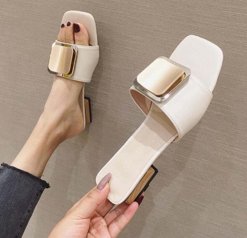 Luxus Designer Elegante Hausschuhe Frauen Schuhe Square Schnalle Womens Hausschuhe Offene PU Damen Sommer Folien Ferse Mules Sandalen
