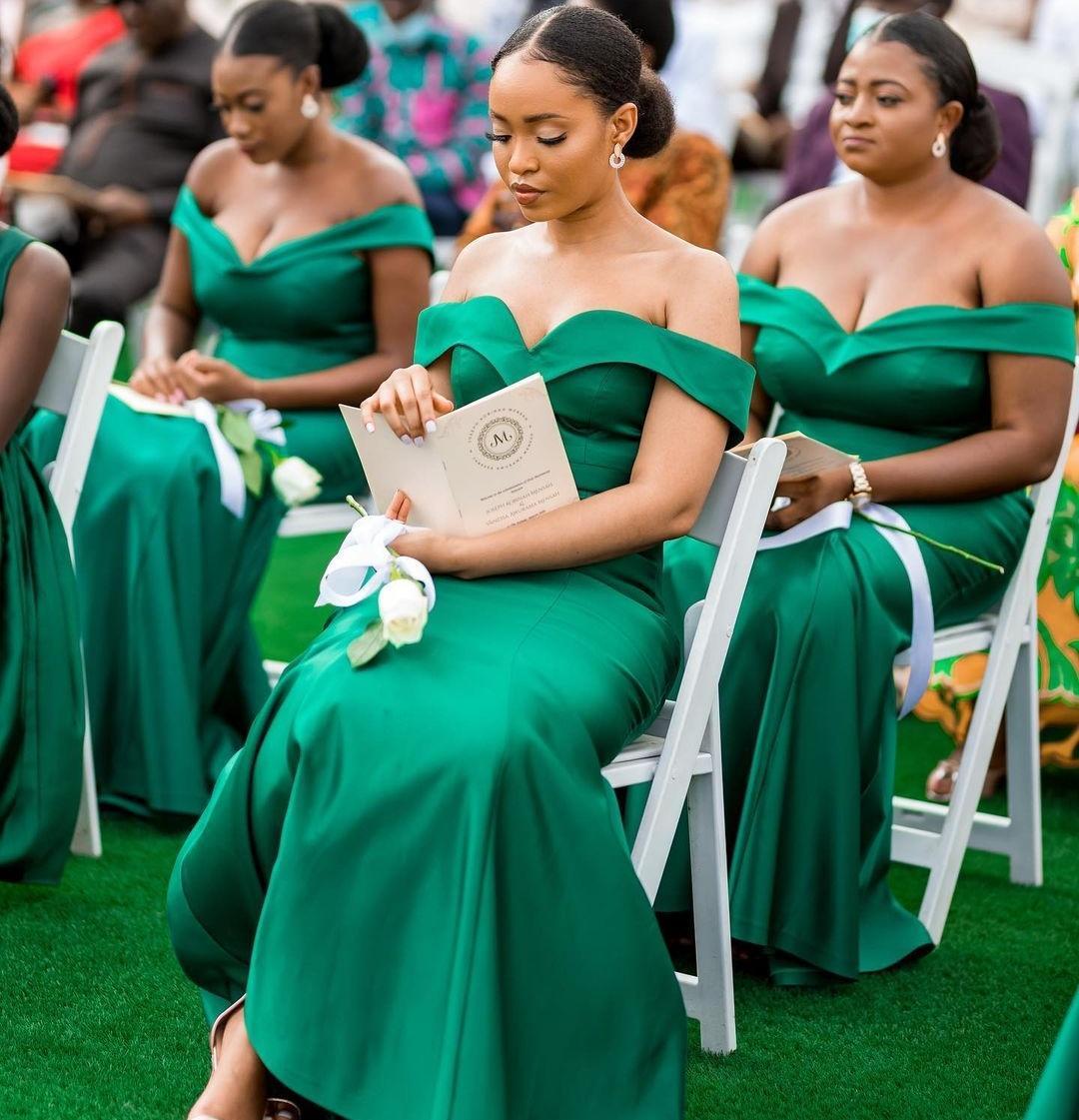 Mode Hunter Mermaid Land Brautjungfer Kleider aus der Schulter Hals Trompete Hochzeit Gast Kleid Sweep Zug Satin Haustiergüter Kleider Kleider