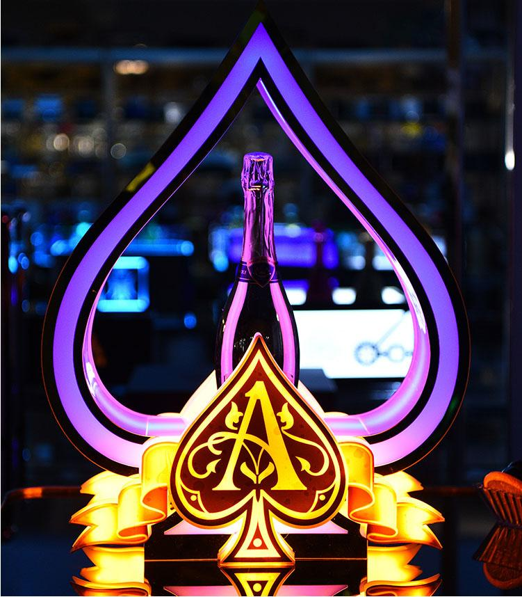 Custom Logo Glorifier Display VIP Service Ace of Spade Champagne Bottle Presenter for Night Club Lounge Wedding Party Bar KTV