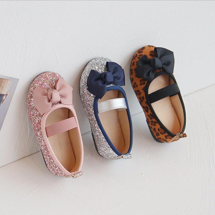 Ragazze per bambini Soft Bottom Flat Bow Princess Shoes Taglia 21-30 Scarpe per bambini Primavera ed estate Baby Girls Scarpe da ballo