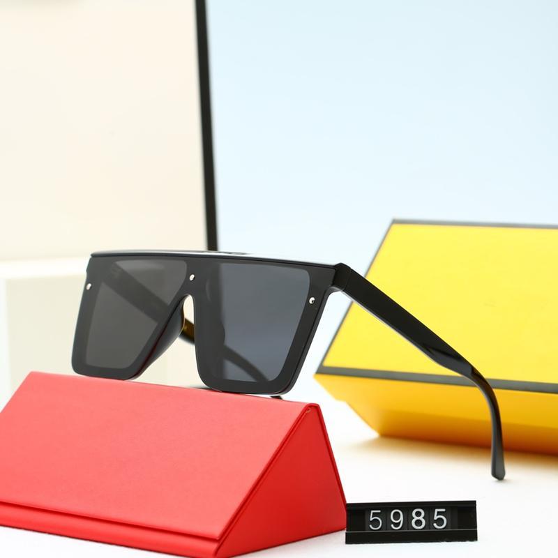 خمسة ألوان الأزياء الاتجاه عارضة مصمم النساء النظارات الشمسية الفاخرة عالية الجودة HD الاستقطاب عدسات القيادة نظارات مع حزمة 5985