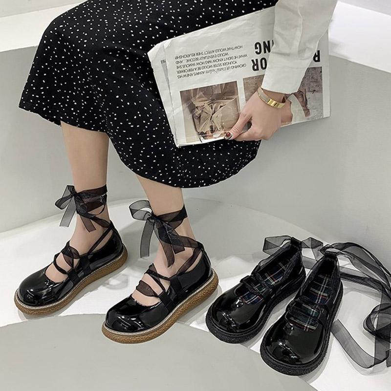 İlkbahar Sonbahar Lolita Ayakkabı Dantel Çapraz Bağlı Platformu Ayakkabı Patent Deri Rahat Ayakkabılar Kızlar Bayanlar Ayak Bileği Kayışı Bant Flats 8955N