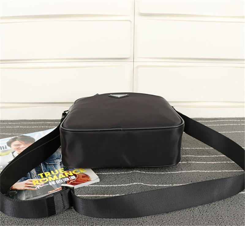 Nuevo estilo casual Black Fanny Pack de alta calidad Nylon Cross Body Bag Popular Square Bag Hombres Viajes Bolso de hombro