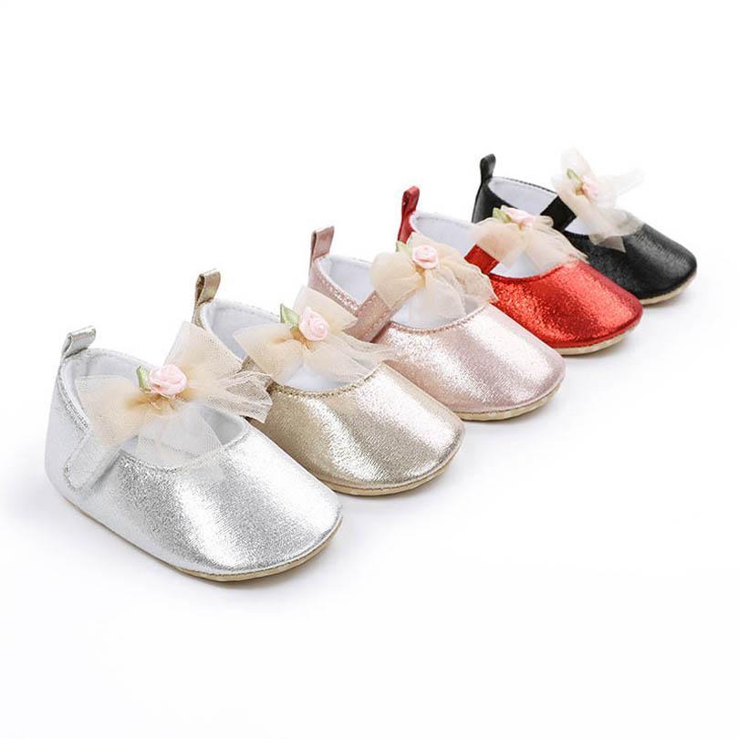 0-1 طيران طفلة أحذية الوليد أحذية الرضع الأحذية الدانتيل الانحناء زهرة الأميرة الأولى المشي الأحذية الأخفاف لينة الرضع الأحذية B4084