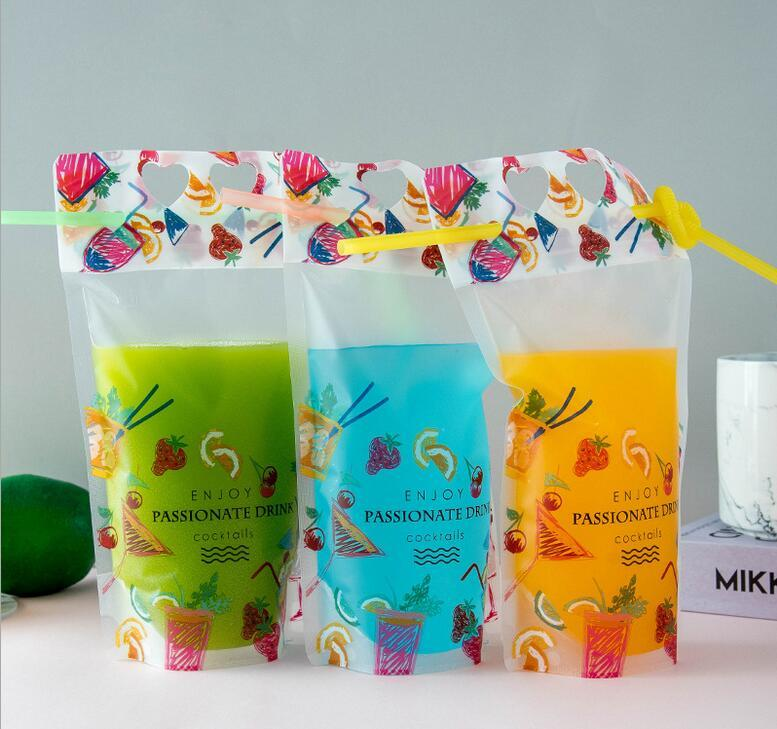 500ml Fruit Pattern Plastic Drink Water Zipper Stand-up Bag Bottle Pouch for Beverage Juice Milk Coffee, with Straw and Holder