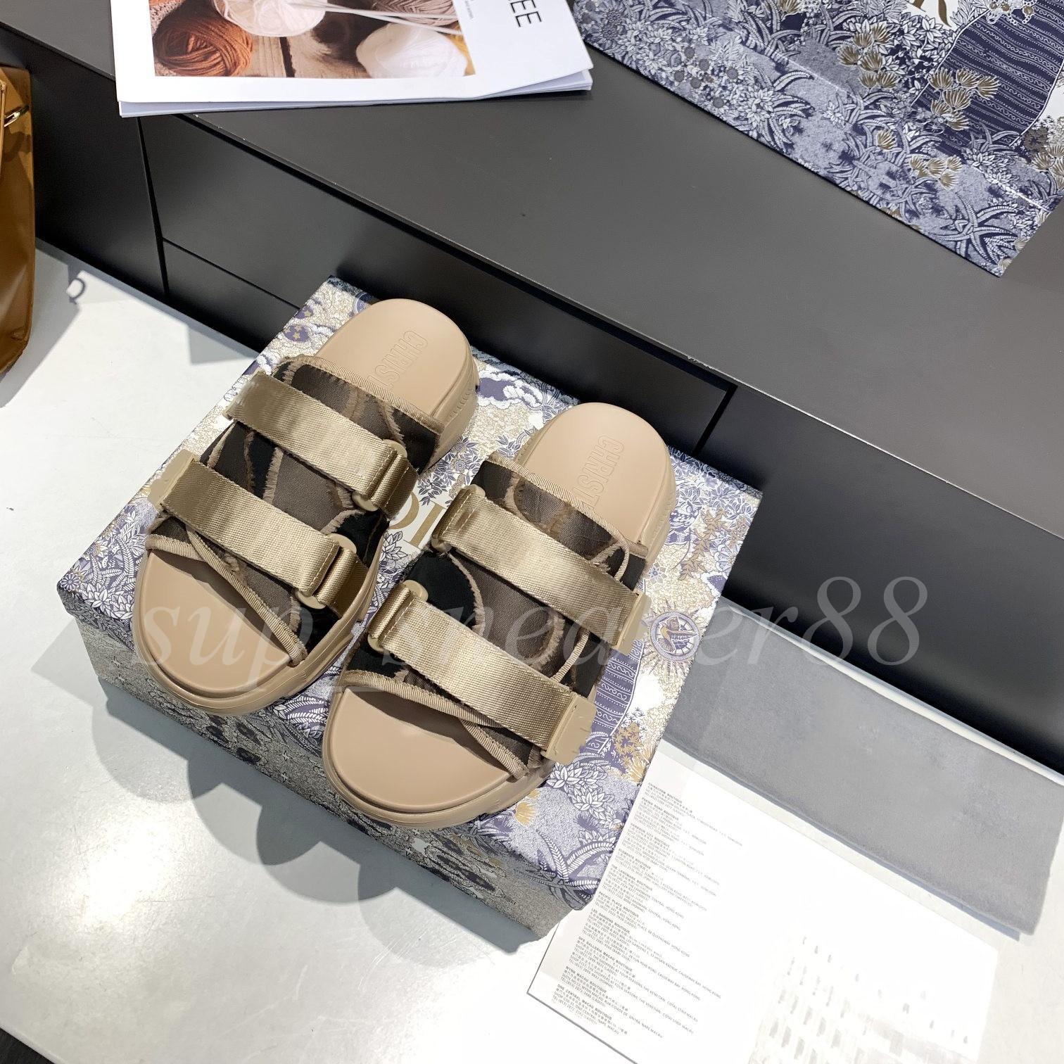 2021 Sandalias Zapatillas Oro Patente Inlaid Para Mujer Tobillo Lace Up Mujeres Gruesa Parte Impermeable Plataforma Falda de fiesta de tacón alto con caja Shoe008 100