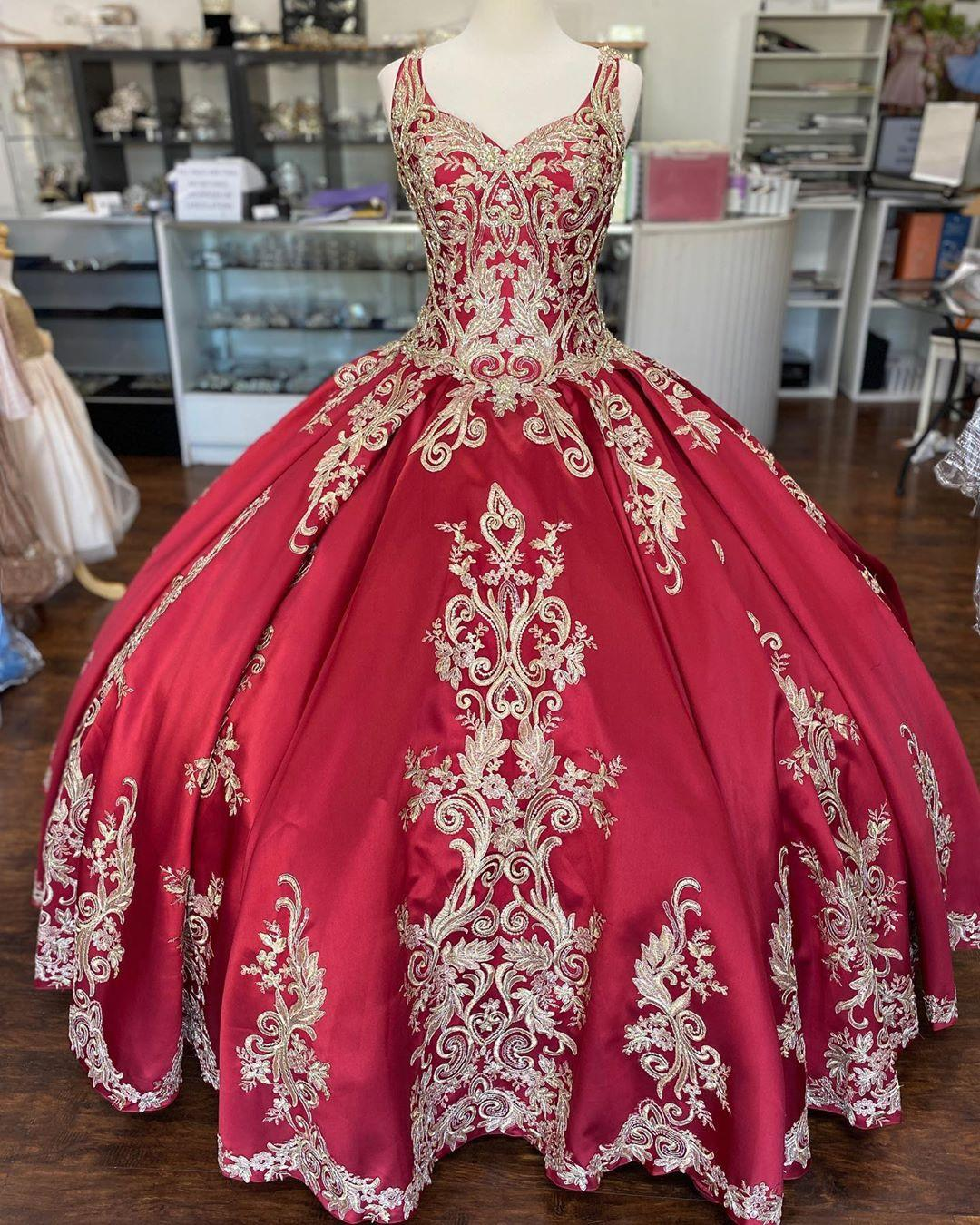 Luxury Gold Embroidery Burgundy Satin Cheap Quinceanera Prom Formal Dress Ball Gown with Straps Keyhole Back Corset Long Vestidos 15 Anos