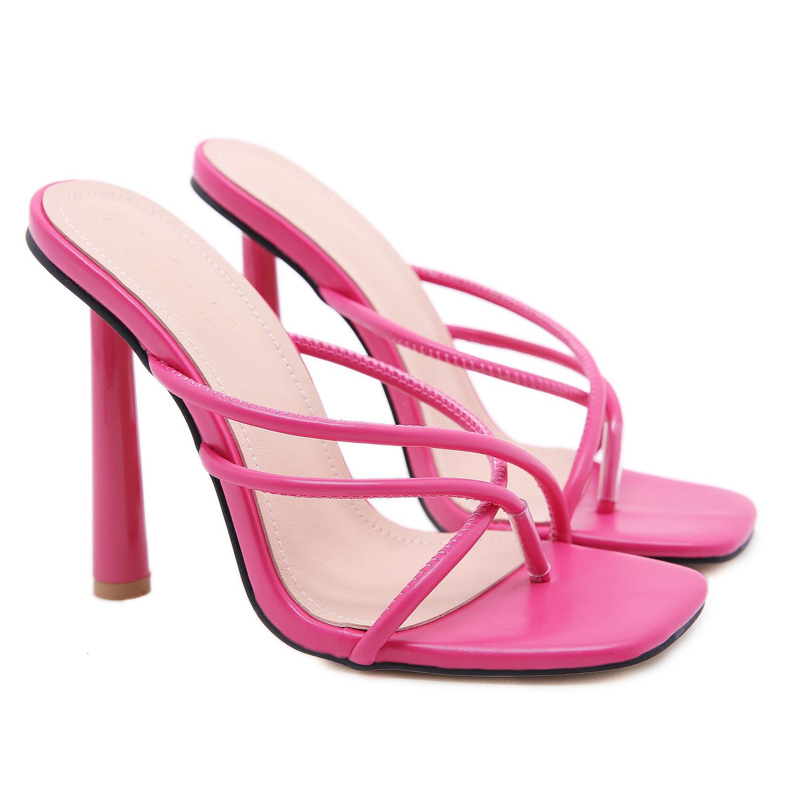 2021 Yeni Yaz Sandalet Seksi Klip Terlik Bayanlar Yüksek Topuklu Kare Açık Toe Slaytlar Parti Ayakkabı Kadınlar Siyah Pembe Kayısı2021 SCQU
