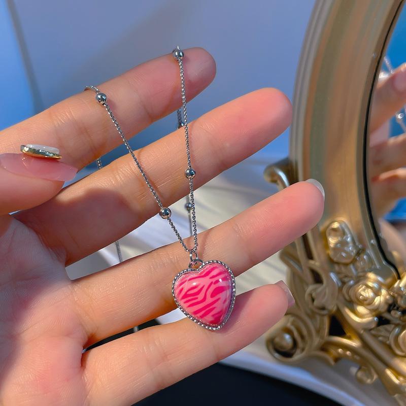Anhänger Halsketten MRZMSZ Einfache Süße Design Rosa Herz Halskette Für Frauen Exquisite Clawicle Kette Hochzeit Modeschmuck Geschenke