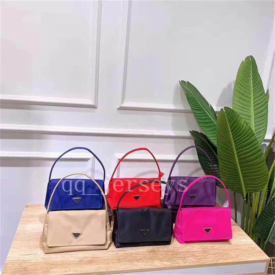 Designer di lusso di alta qualità 2021 nuova borsa ascella portatile a una spalla leggera ascellare e versatile sacchetto della busta di panno di Oxford di moda retrò