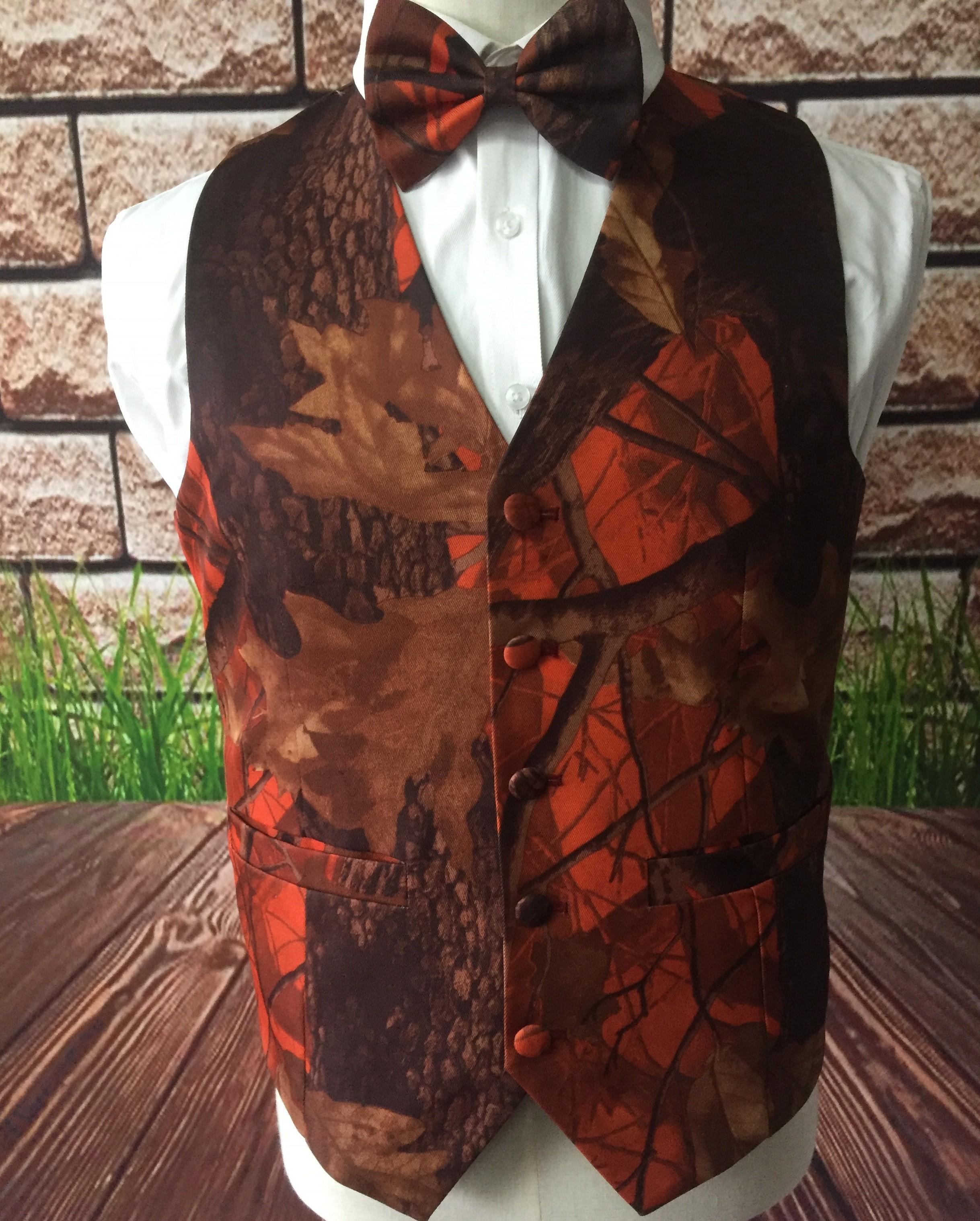 Camo Baskı Damat Yelekler Kamuflaj Bestman Yelek Kıyafeti Slim Fit Erkek Yelek Elbiseler 2 Parça Set (Yelek + Yay) Custom Made Artı Boyutu Gerçek Görüntü B068