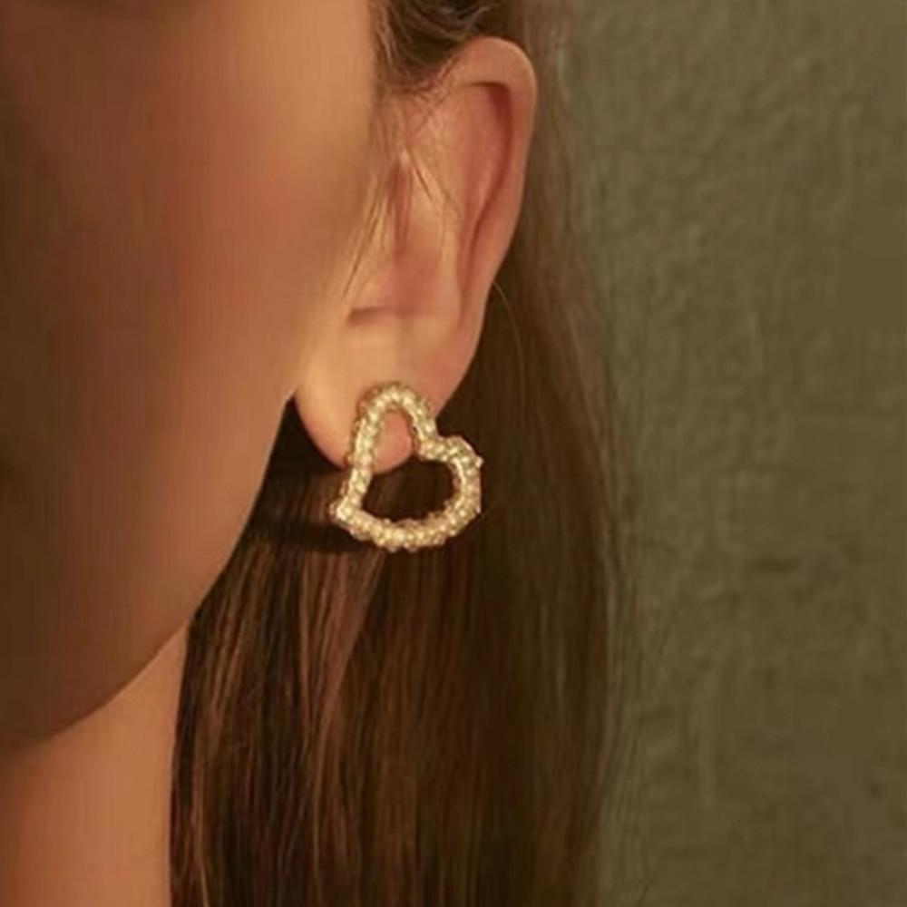 HBP Heart shaped Pearl Fashion temperament simple personality fashionable creative Earrings women