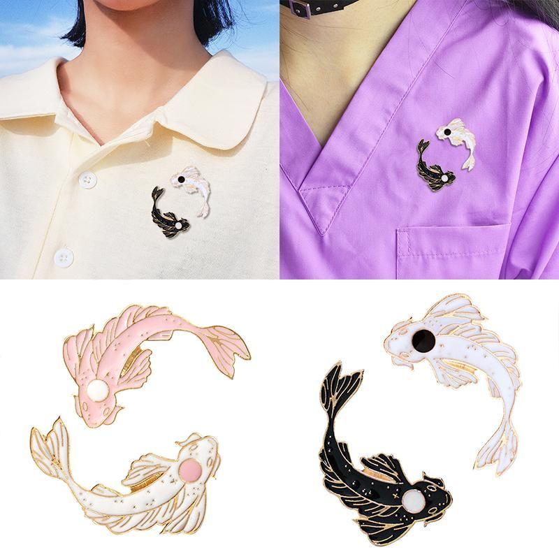 Pins, Brooches Fashion Cartoon Goldfish Pin Costume Collar Cute Animal Fish Carp Black And White Brooch RA-41