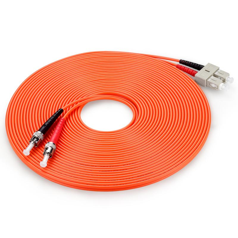 Cordon de raccordage optique à fibre optique multimode SC / UPC au câble de canal de fibre de fibre de duplex ST / UPC OM2 50 / 125um 3.0mm 3m SC-FC connecteur