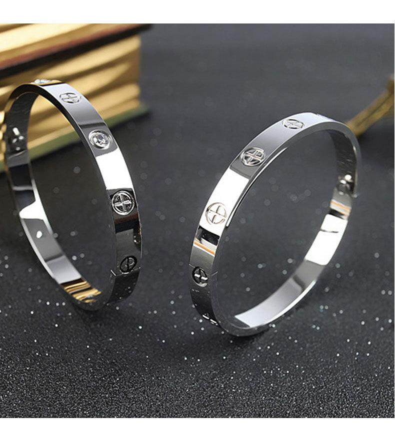 2021 الجملة أزياء الرجال النساء زوجين هدية سوار 316l الفولاذ المقاوم للصدأ صفعة سوار لا تتلاشى تصميم مجوهرات الإسورة مع مربع