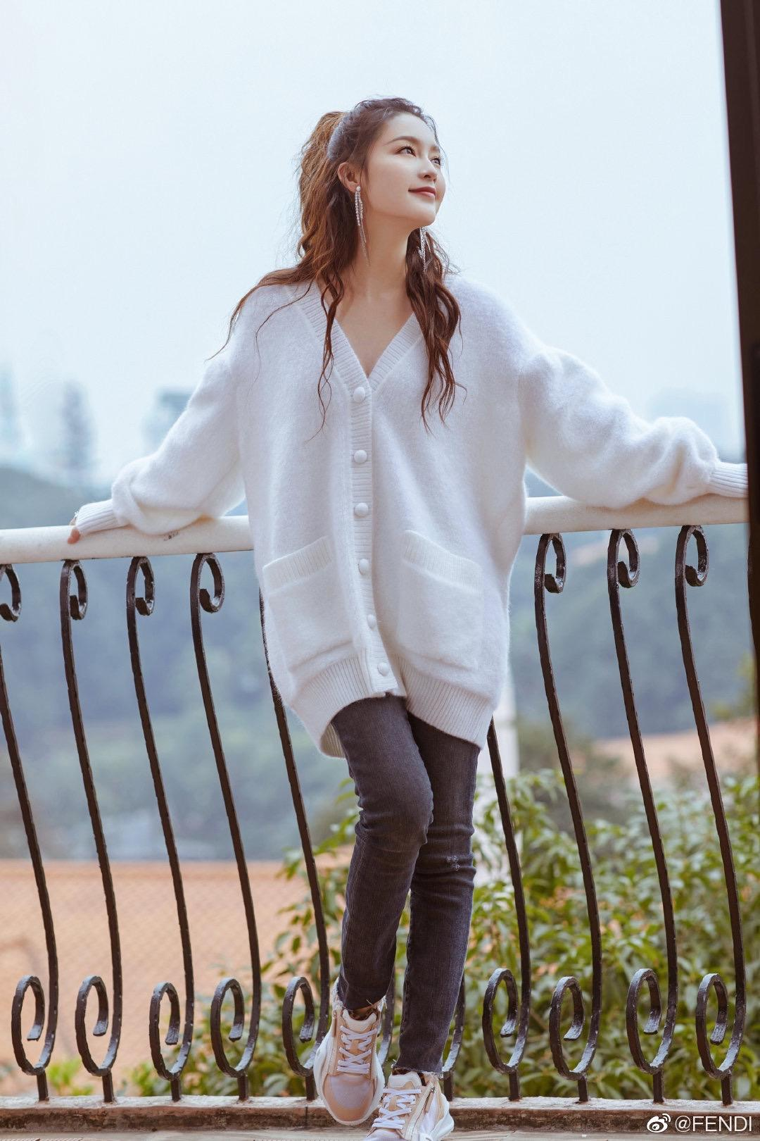 2021 Milan Pist Kazak V Boyun Uzun Kollu kadın Kazak Yüksek End Jakarlı Hırka Kadın Tasarımcı Kazak 0303-48