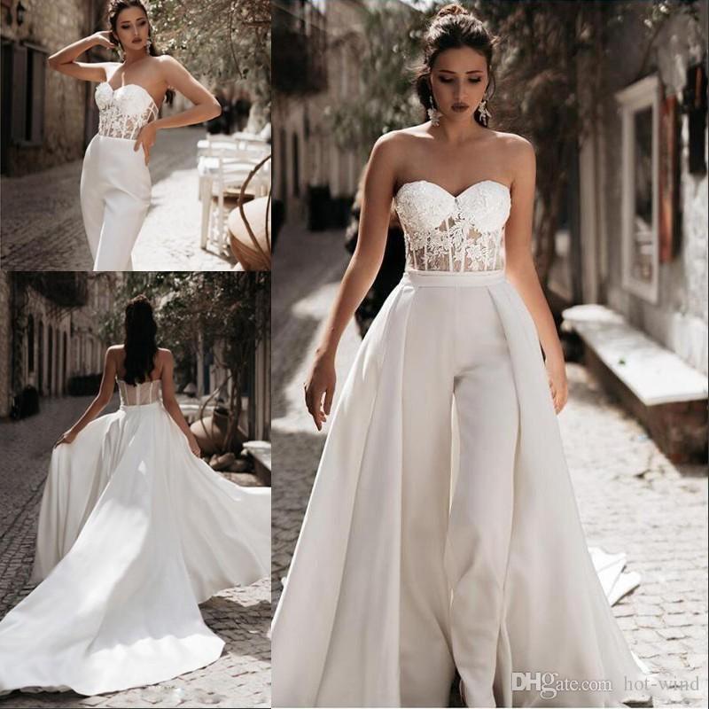Modest Overall Beach Brautkleider mit abnehmbarer Zug Schatz Hosen Satin Spitze Appliques Land Mutter Brautkleider