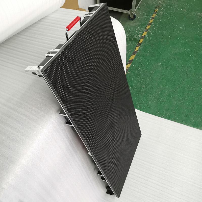 Kapalı Sahne Arka Plan Kiralama LED Ekran 500x1000mm Boyutu Die-Döküm Alüminyum Dolap P3.91 Tam Renkli HD LED Panel Özelleştirme