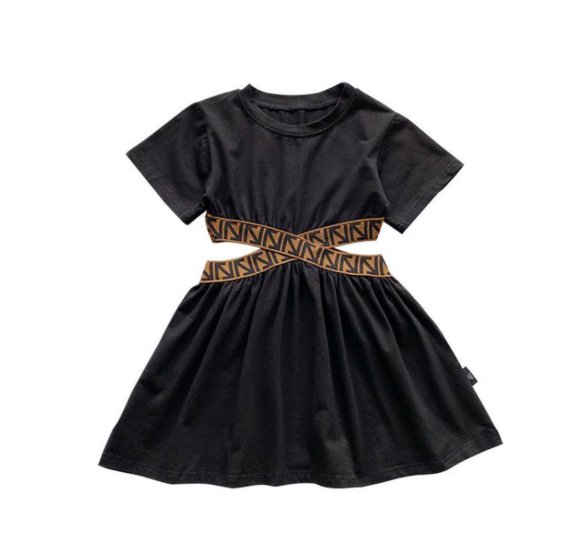 INS Girls 짧은 소매 드레스 2021 여름 어린이 화살표 중공 허리 드레스 레이디 스타일 아이들 블랙 의류 A5898