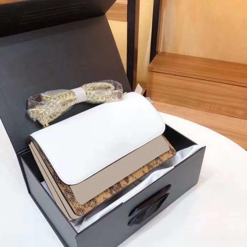 Ley de lujo como agencia de compras femenina femenina fraza riveta cadena bolsa hombro su pequeño paquete 2020