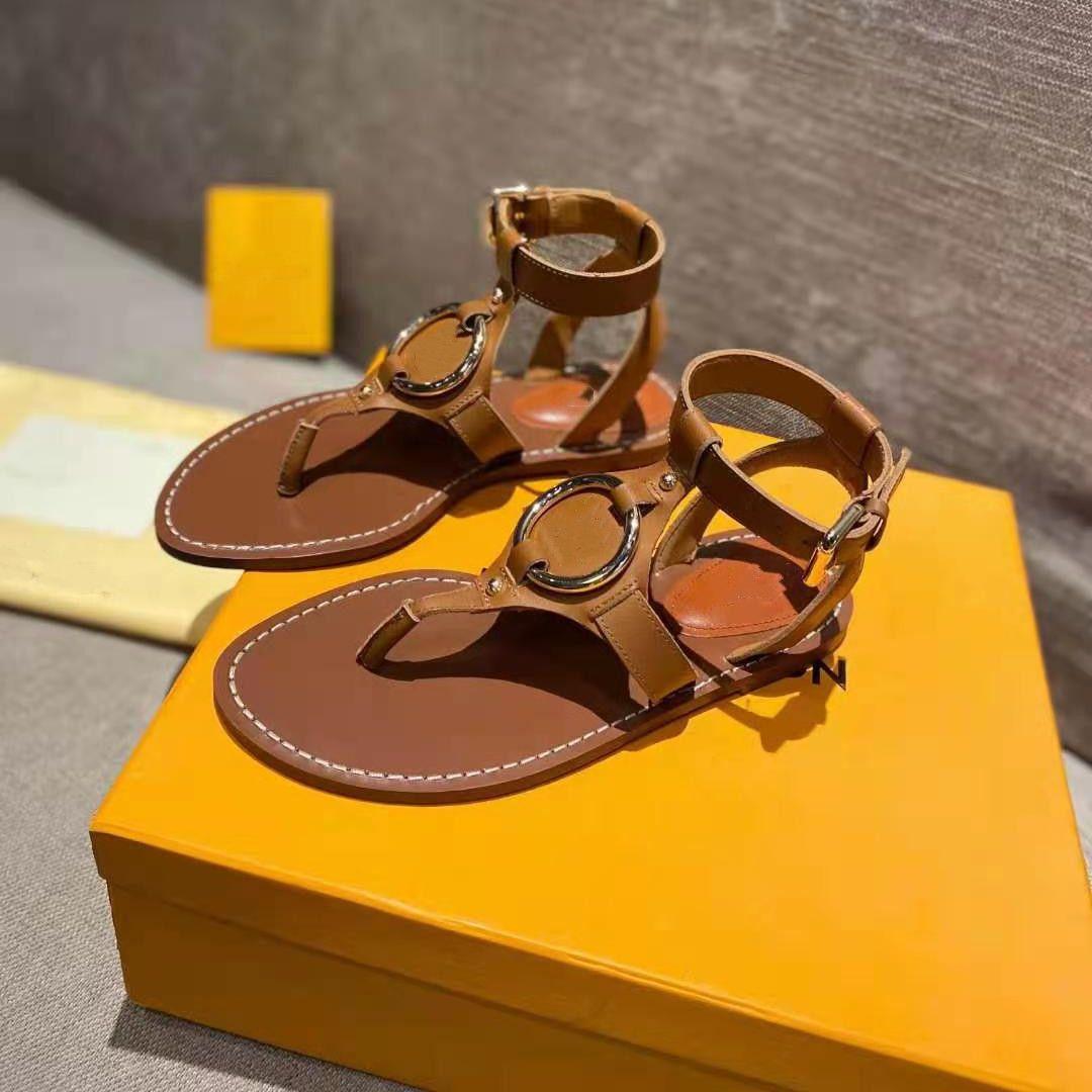 Новейшие женские кожаные сандалии Gold-Tone Metal Ring Baro летний дизайнер Леди Ландовой ремень пряжки плоский резиновый навязки Sandal Size35-42