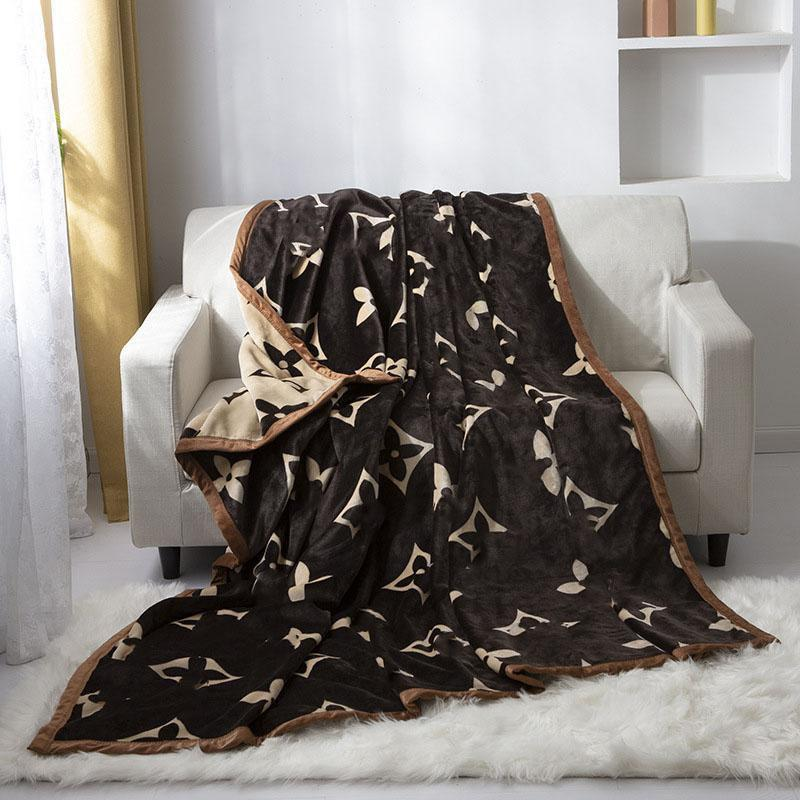 All Seasons Thicken Cloud Blankets Fashion Letter Printed Men Women Blanket Indoor Outdoor Warm Portable Couple Covers