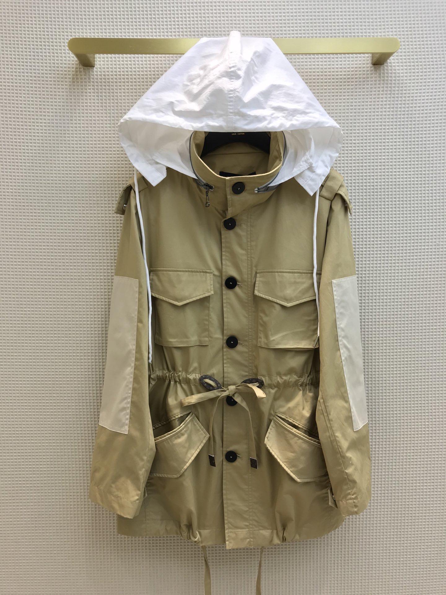 Milan взлетно-посадочные полосы 2021 новый с капюшоном с капюшоном женские женские пальто дизайнерские пальто бренда та же стиль куртки 0305-1