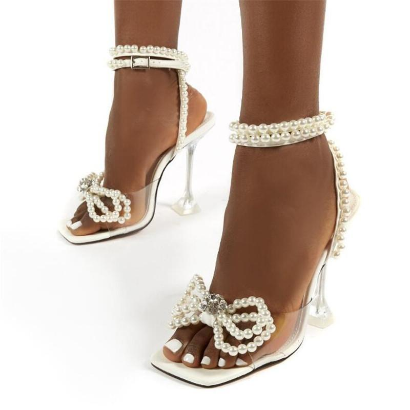 Yeni Zarif Düğün Gelin Ayakkabı Kadın Moda İnciler Papyon Yaz Kare Toe Sandalet PVC Şeffaf Kristal Topuklu Bırak Gemi