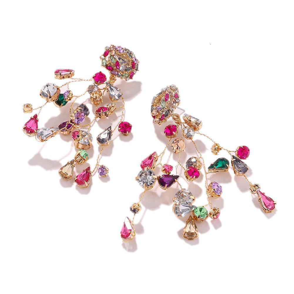 Za То же самое искусственное кристаллическое цветовое сопоставление бриллиантовых сережек, новая мода и изысканные серьги для капель воды