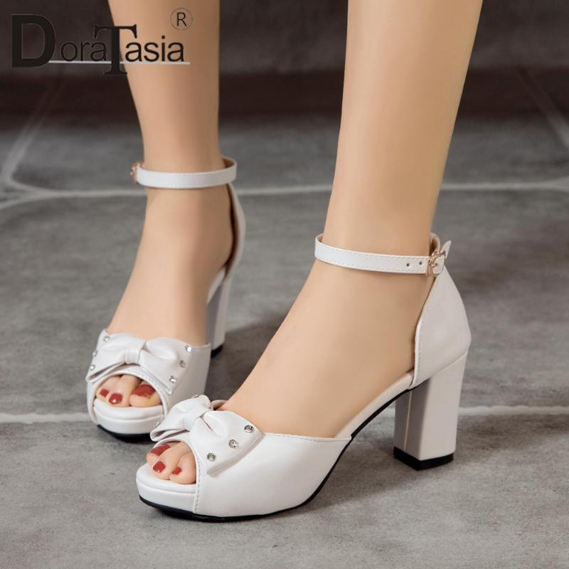Сандалии Доратасия Большой размер 33-43 Дамы Толстые высокие каблуки Летние Красивые Элегантные Женщины Peep Toe Bowkenot Обувь Женщина