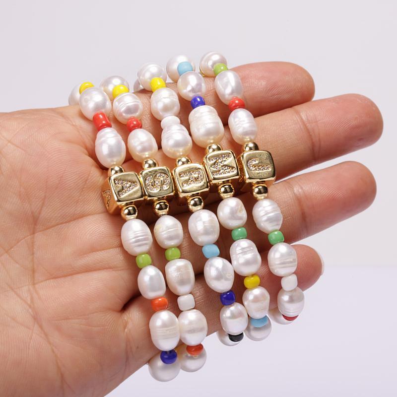 2021BOHO CZ Первоначальный 26 алфавит Название буквы старинные натуральные пресноводные жемчужины из бисера обаятельные браслеты для женщин человек ювелирные изделия