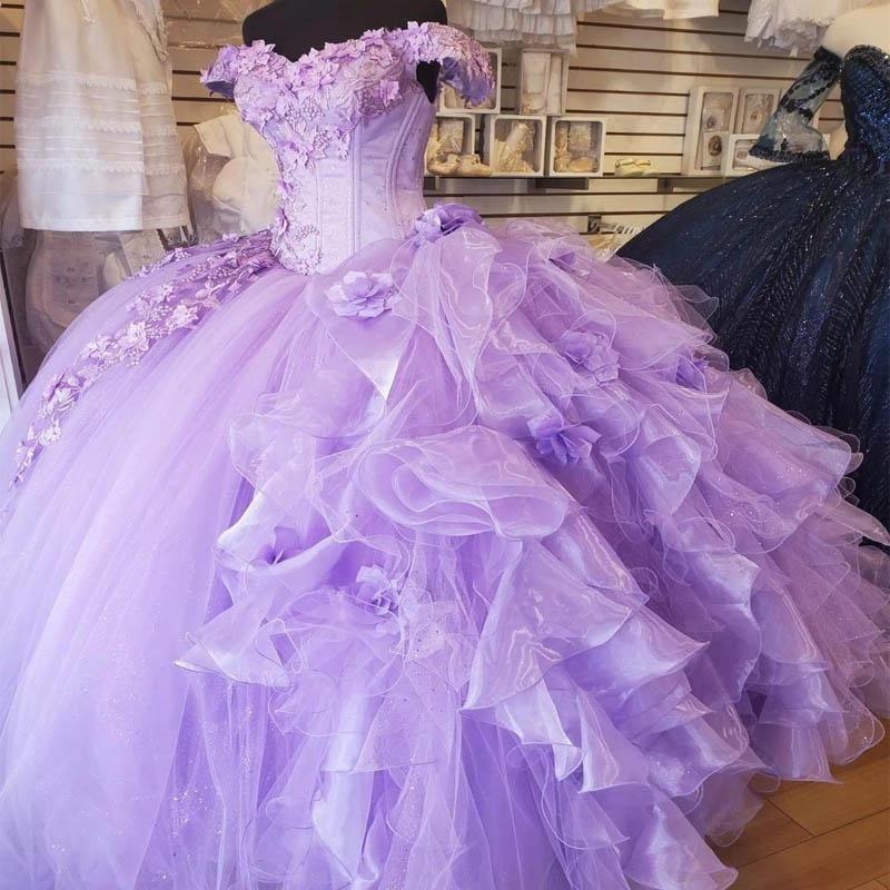 Hermosa lavanda reina quinceañera vestidos de fiesta princesa bola vestido 2021 de descuento en el hombro encaje 3d flores encaje dulce 16 niña vestido organza volantes furia hinchada falda al 9519