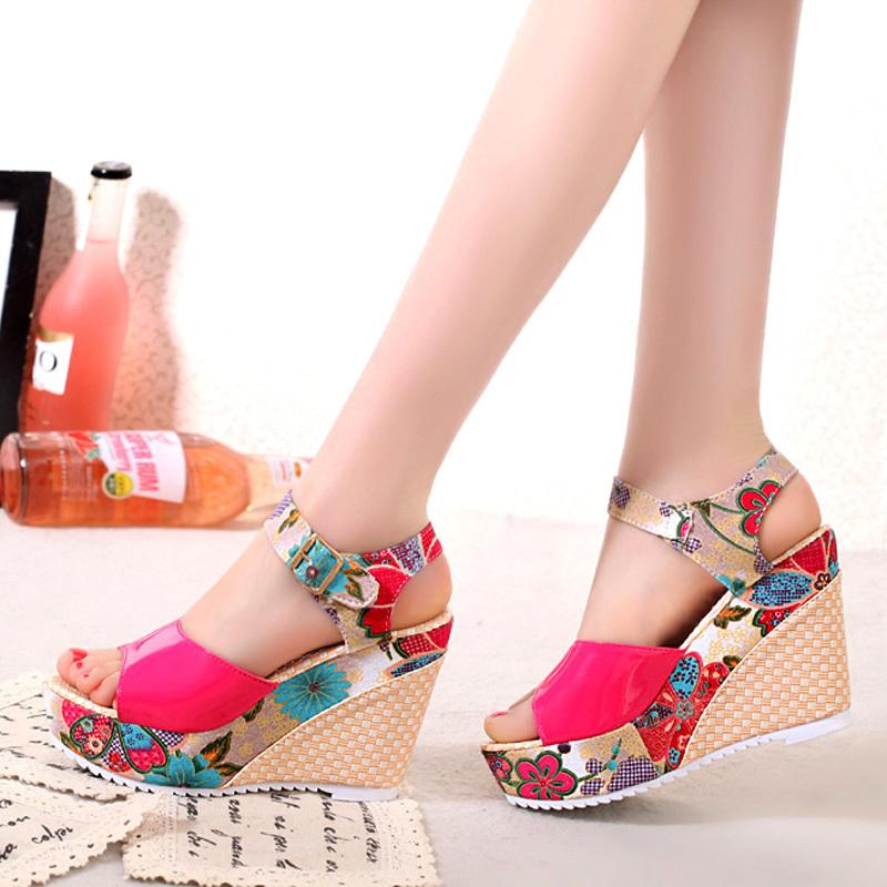 Kadın Sandalet Yaz Platformu Takozlar Rahat Ayakkabılar Bayanlar Çiçek Süper Yüksek Topuklu Toe Açık Slayt Terlik Sandalias Zapatos Mujer 210302